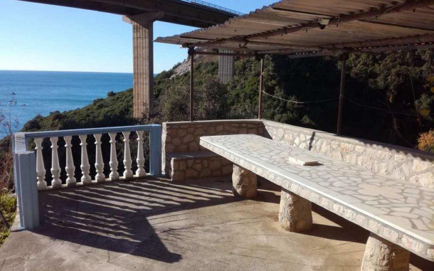 Каменный дом в Добра Вода с видом на море