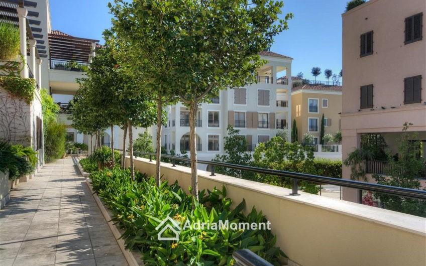 Самая низкая цена в Porto Montenegro. Квартира с 2-мя спальнями
