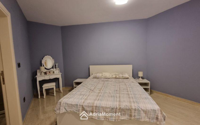 Квартира оригинальной планировки в Тивате